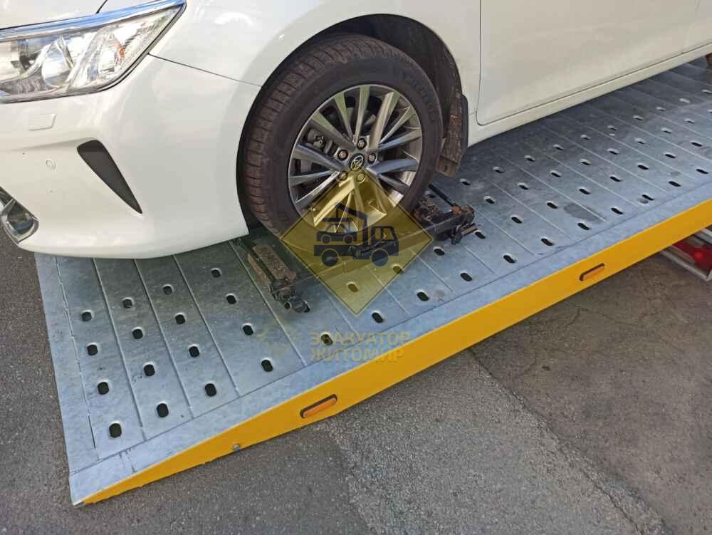 замена колеса - помощь на дороге